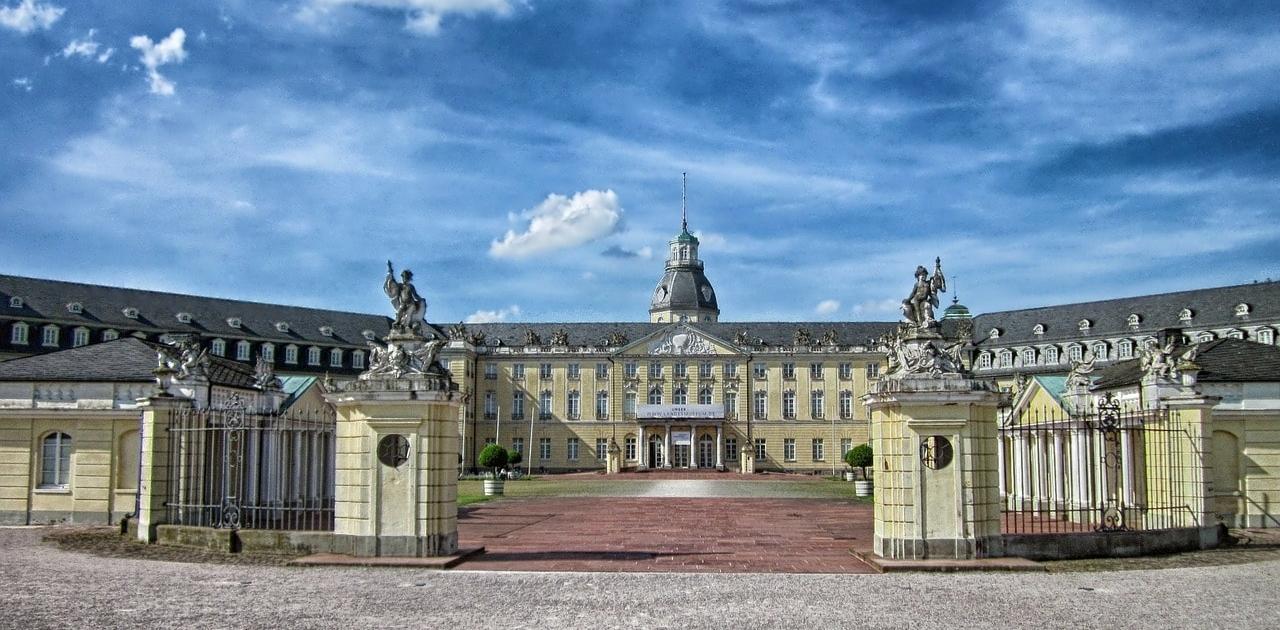 Deutschlands Trauredner aus Karlsruhe